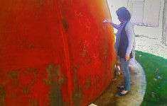 Marcando cortes - Sketching cut-outs on corten steel
